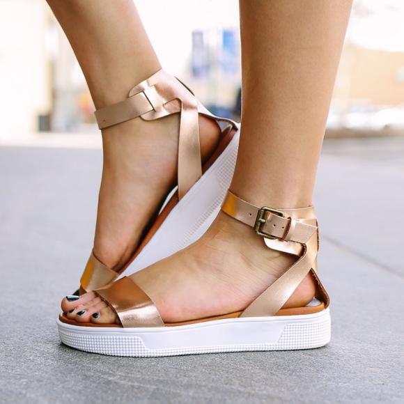 05f2c4b11744 MIA Ellen Athleisure Sandals